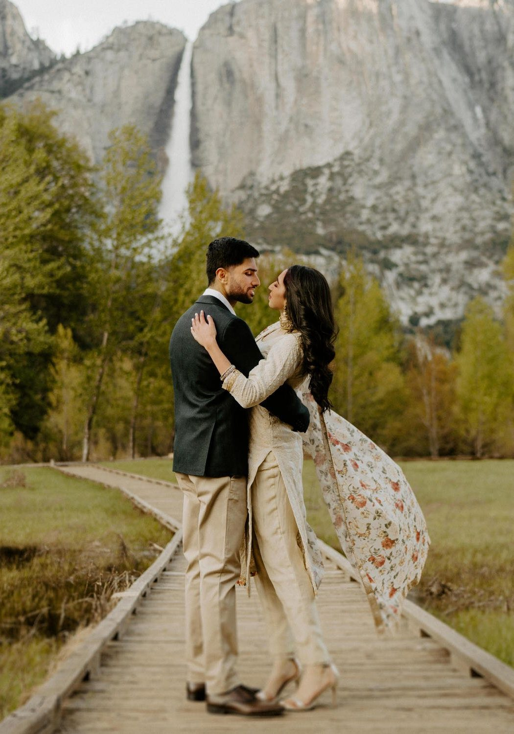 Yosemite Falls Summer Bridal Session | Komal + Jimmy
